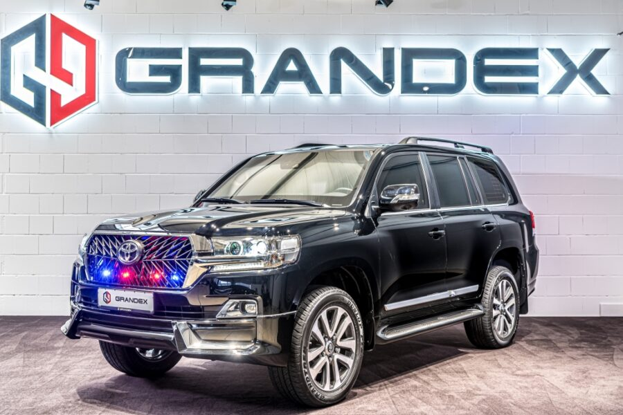 Toyota Land Cruiser 200 5.7L*ARMORED B6*ONLY FOR EXPORT FROM EU!!!