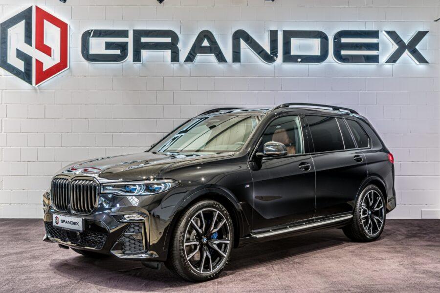 BMW X7 40i*M-Pack*Sky Lounge*Rear TV*Harman Kardon