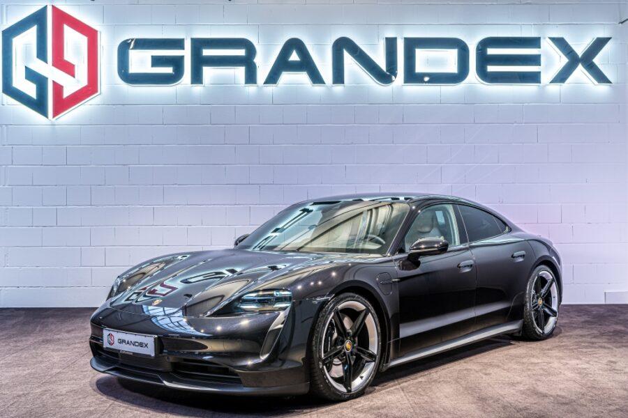 Porsche Taycan 4S*Sport Chrono*Head Up*Clubleder Beige*COC
