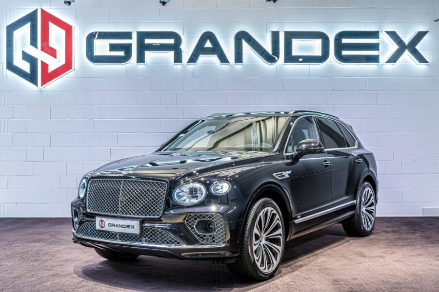 Bentley Bentayga V8*First Edition*4 Seats*NAIM*MY2021