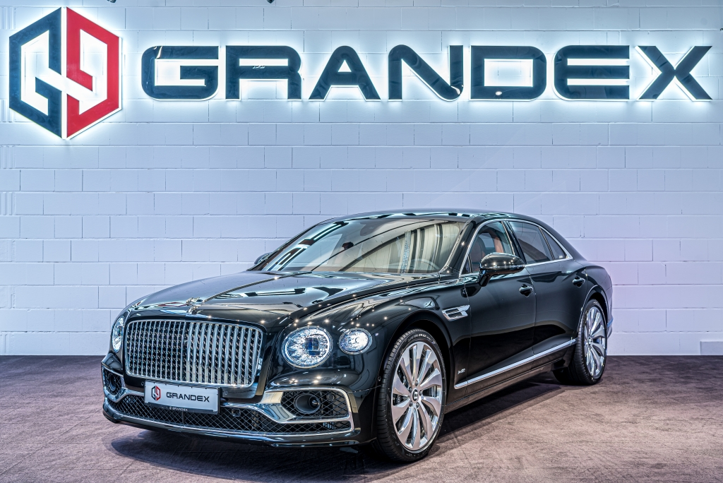 Bentley Flying Spur W12*Mulliner*Panoramic Glass*Touring