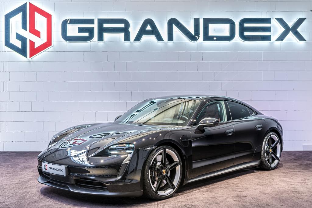 Porsche Taycan 4S*PDCC*Head Up*Performancebatterie*R21*COC